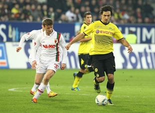 Hummels in action
