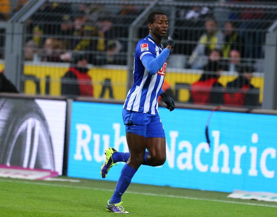 Adrian Ramos bejubelt seinen Treffer gegen den BVB