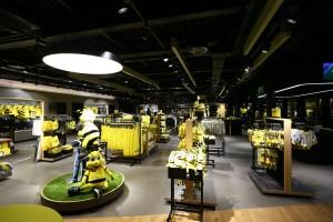Blick über die Verkaufsfläche im ersten Obergeschoss