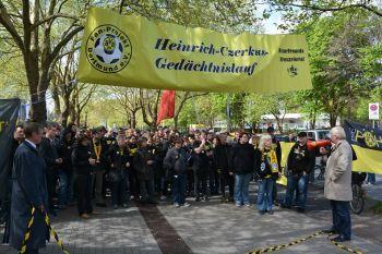 Der Start zum 10. Heinrich-Czerkus-Lauf 2014 mit OB Sierau und Siggi Held