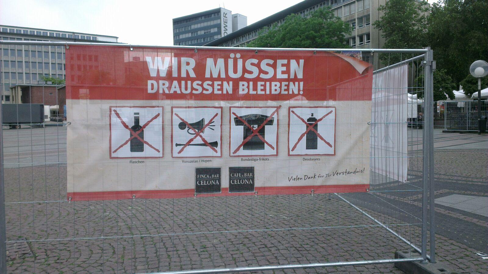 In Essen müssen Bundesliga-Trikots leider draußen bleiben...