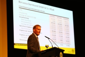 Aki Watzke stellte die Bilanz der BVB KGaA vor