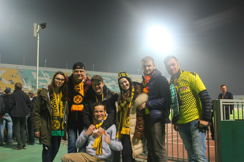 Russische BVB-Fans im Kuban-Stadion vom FK Krasnodar