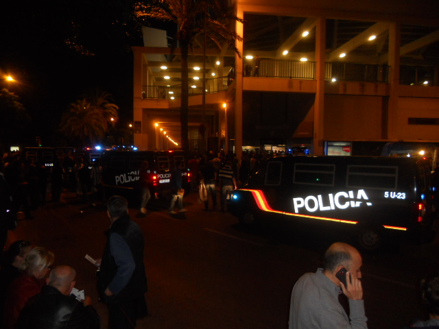 Polizeiaufmarsch vor einem CL-Spiel