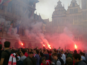 On the market place of Antwerp: Protest against the management