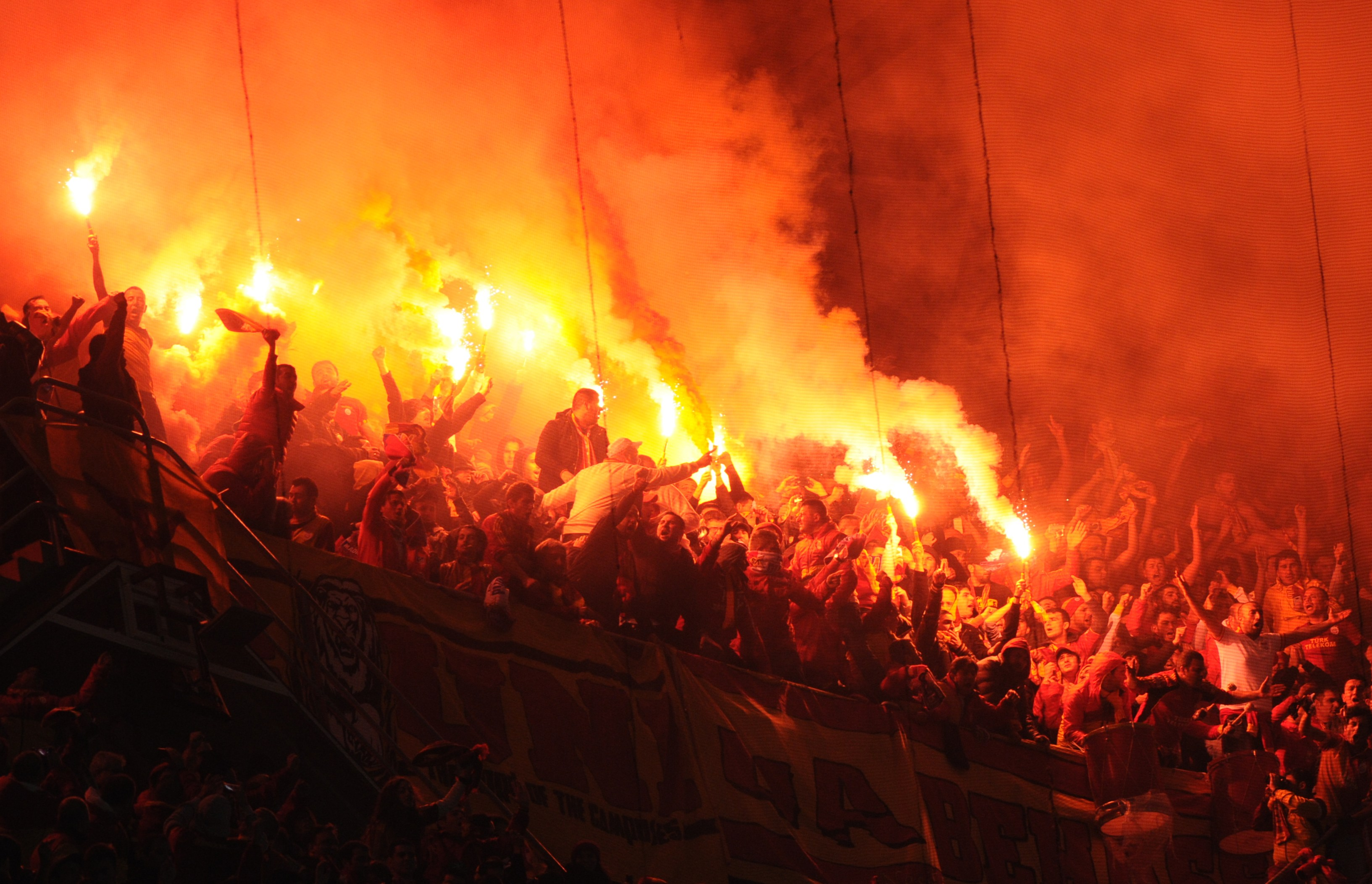 Just as in Germany, pyrotechnics are forbidden in Turkey, but common in all stadia and hardly punished.