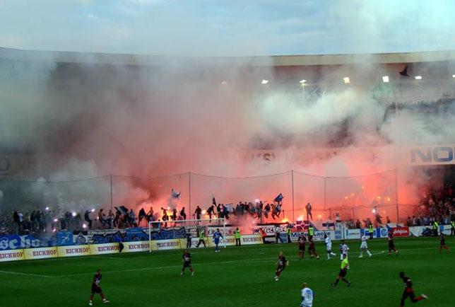 Pyroshow im mittlerweile abgerissenen Hardturmstadion