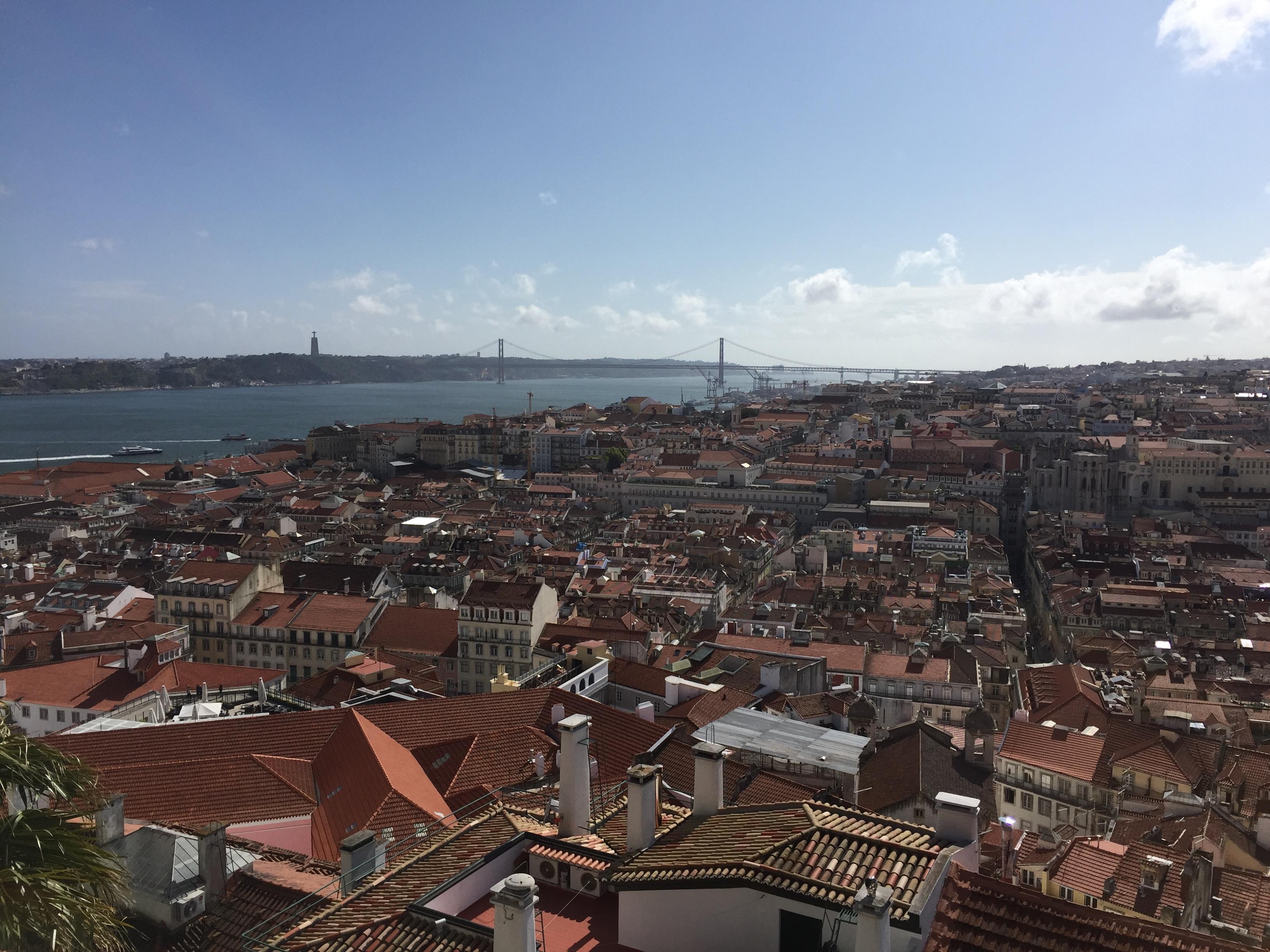 """Die """"Stadt der sieben Hügel"""" bietet an zahllosen Aussichtspunkten einen traumhaften Blick"""