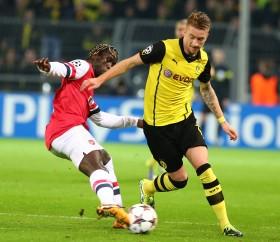 Reus versuchte es dann mal allein gegen Alle und trotz des Hinspiels schien Arsenal von seiner Geschwindigkeit überrascht zu sein.