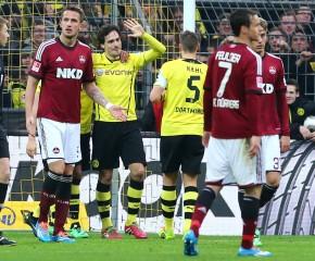 Mats Hummels bejubelt sein Tor zum 1:0.
