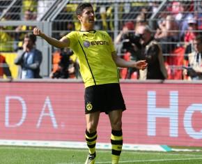 Robert Lewandowski bejubelt das 2-1