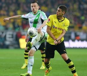 Ivica Olic gegen Sebastian Kehl
