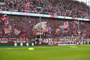Nur laut nach den Führungstreffern - die Kölner Südkurve