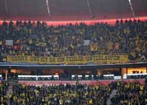 Spruchband der Desperados das auf die Vorfälle gegen PAOK anspielt