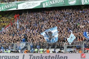 Die Berliner Fans kamen spät hatten aber gut Stimmung im Gepäck