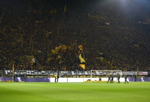 Spruchband der Desperados für ihre Stadionverbotler
