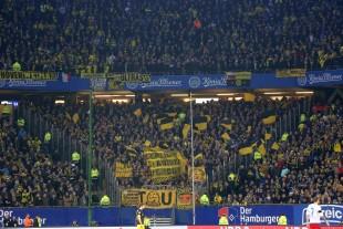 Viele Fans aus Dortmund kamen staubedingt zu spät am Stadion an