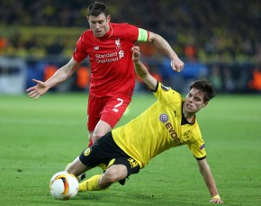 Julian Weigl gegen James Milner