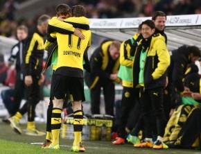 Marco Reus feiert sein Tor mit Moritz Leitner