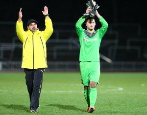 Wagner (l.) und Alomerovic bedanken sich bei den BVB-Fans und Ultras