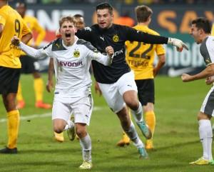 Emotion pur nach dem Ausgleichstreffer bei Tammo Harder und Zlatan Alomerovic
