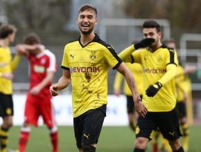 Gute Laune bei Moritz Leitner nach dem Tor zum 2:0