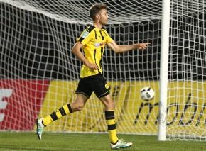 Michale Eberwein bejubelt sein Tor zum 2:0