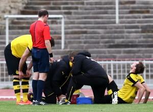 Blöd: Jon Stankovic musste zur Halbzeit verletzt raus