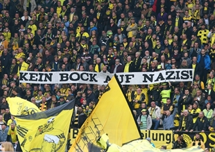 Die Westtribüne gegen Hannover