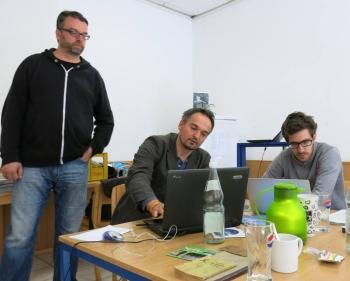 Die drei Filmemacher bei der Arbeit