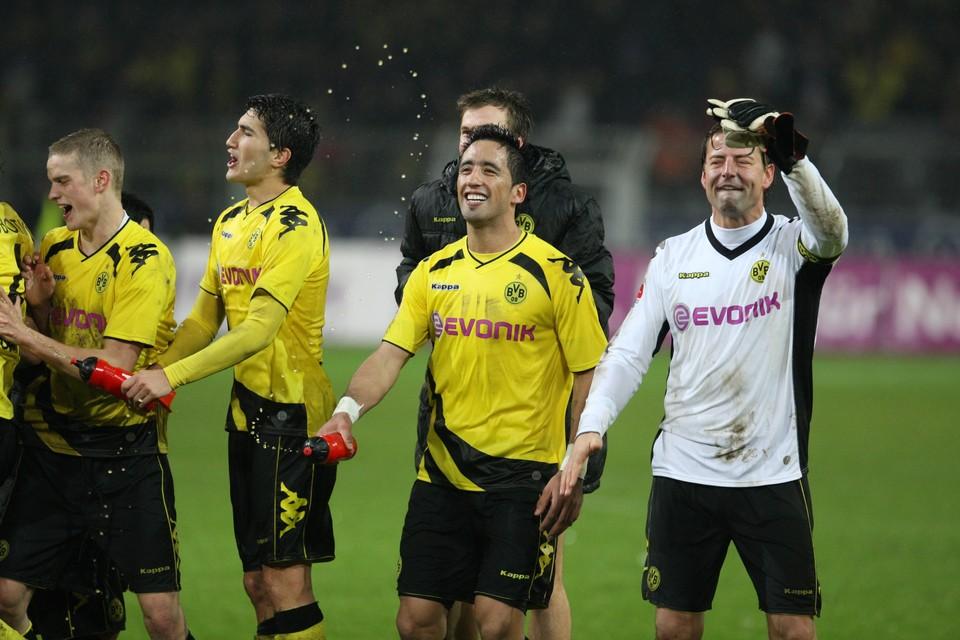 Barrios mit seinen BVB-Teamkollegen