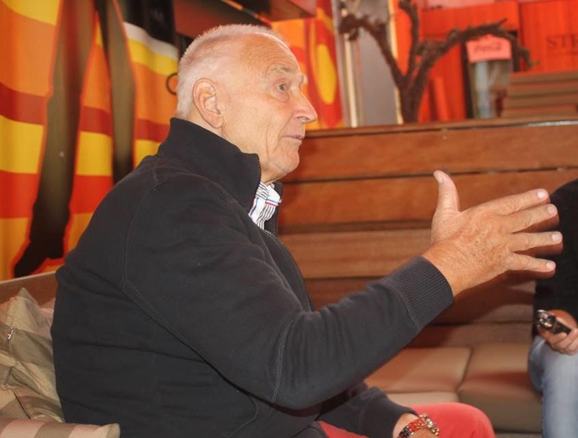 Aki Schmidt während des Interviews