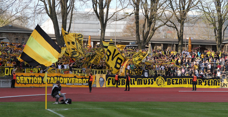 BVB-Fans in der Roten Erde.