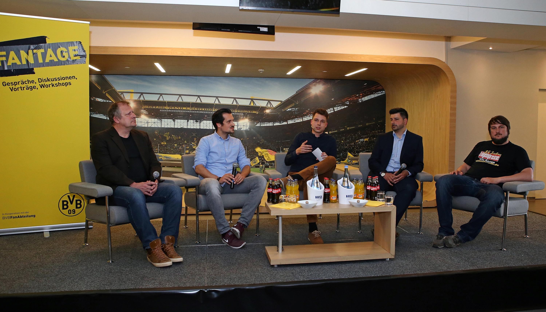 BVB-Fans und Medienvertreter diskutieren bei den Fantagen.