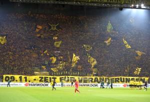 Auch das Fanbündnis Südtribüne Dortmund beteiligte sich am Aktionsspieltag mit einigen Bannern