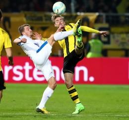 Marcel Schmelzer im Zweikampf