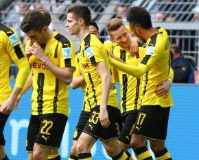 Jubel um Marco Reus und seinem Treffer zum 1-0