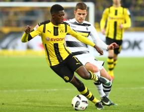 Dembélé, hier im Zweikampf gegen Hazard, kam neu ins Team