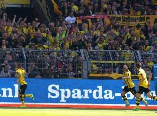 Jubel um Marco Reus zum frühen 1-0