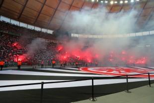Frankfurter Pyroshow in der zweiten Halbzeit