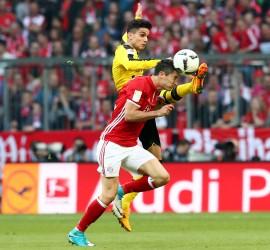 Harte Duelle: Bartra und Lewandowski