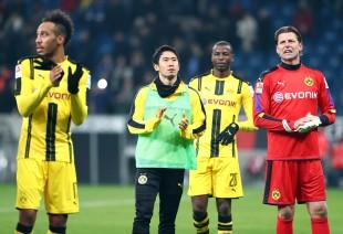 Die Spieler bedankten sich nach Abpfiff bei den Fans